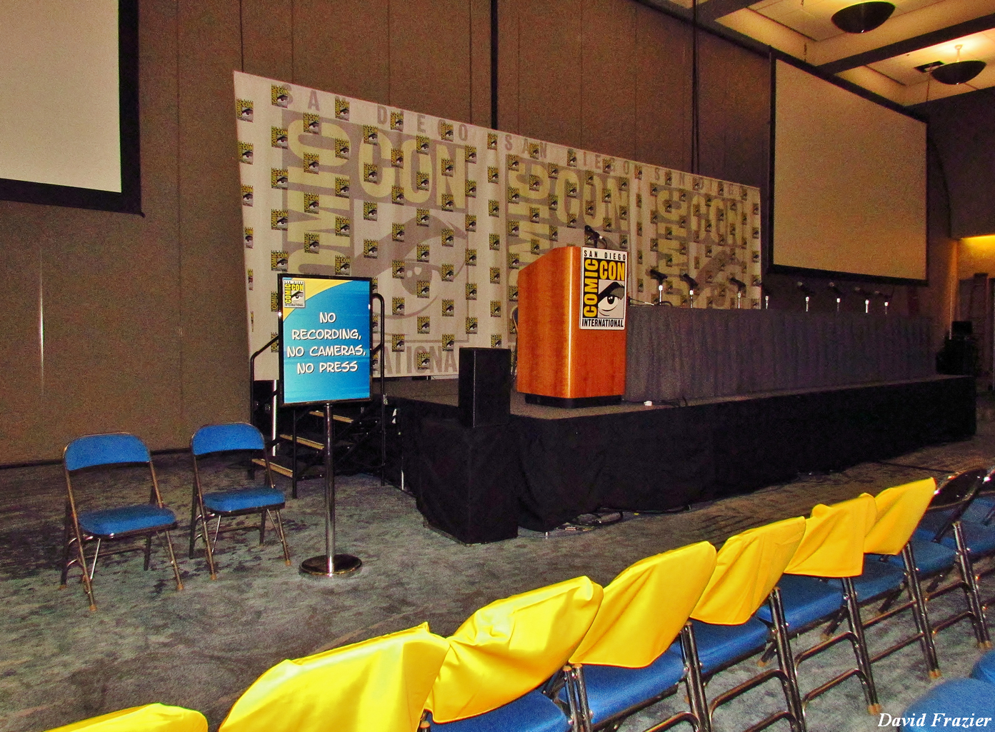 sdcc-2013-blizzard-panel-room-1