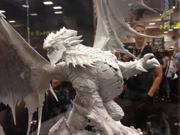 sdcc-2013-sideshow-collectibles-deathwing-statue-prototype